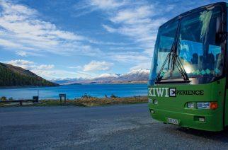 kiwi-experience-bus-in-front-lake-tekapo