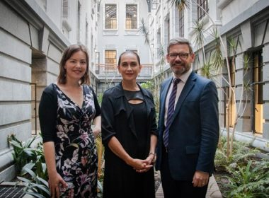 Facilitator Traci Houpapa flanked by Ministers Julie Anne Genter (left) and Iain Lees-Galloway. Photo supplied