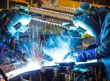 The Future of Work Tripartite Forum endorsed a Manufacturers' Network pilot programme that addresses the skills shift needed in that sector to meet the challenges of automation and artificial intelligence. Photo Precision Manufacturing Insurance Services.