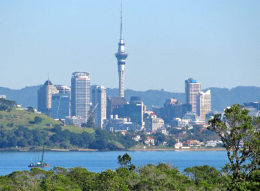 An Auckland Chamber survey shows business confidence is slowly improving following its dramatic fall last quarter. Photo Wikimedia Commons